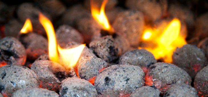 K chalupaření patří i autentické topení. Zatopte si uhelnými briketami